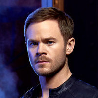 John played by Aaron Ashmore