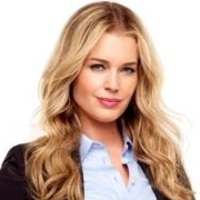 Michelle Maxwell played by Rebecca Romijn