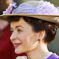Dorcas Lane played by Julia Sawalha