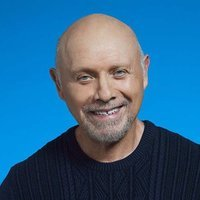 Ed Alzate played by Hector Elizondo