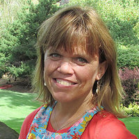 Amy Roloff played by Amy Roloff