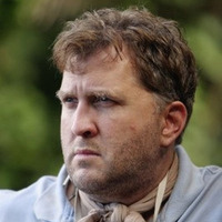 Dr. Leslie Arzt played by Daniel Roebuck