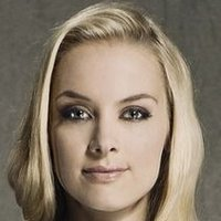 Tamsin played by Rachel Skarsten