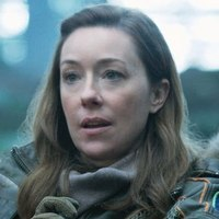 Maureen Robinson played by Molly Parker