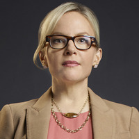 Linda played by Rachael Harris