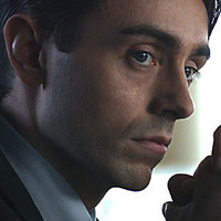 Toby Kent played by David Dawson