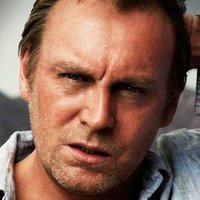 Quinn played by Philip Glenister