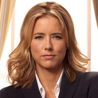 Elizabeth McCord played by Téa Leoni