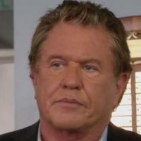 Jackson Raydor played by Tom Berenger