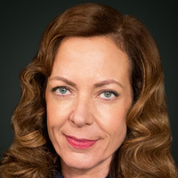 Margaret Scully played by Allison Janney