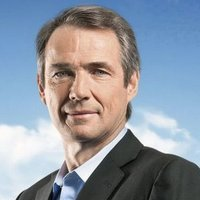 Alan Hansen - Analyst/Pundit played by Alan Hansen