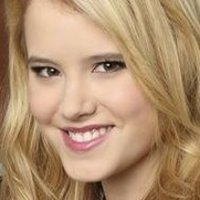 Lennox Scanlon played by Taylor Spreitler