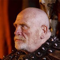 Hengist played by James Cosmo