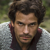 Lancelot played by Santiago Cabrera