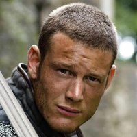 Sir Percival played by Tom Hopper