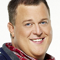 Officer Mike Biggs played by Billy Gardell