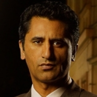Agent Dax Millerplayed by Cliff Curtis