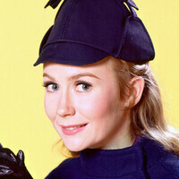 Nanny played by Juliet Mills