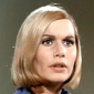 Narrator (11) played by Sally Kellerman