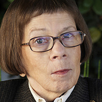 Henrietta 'Hetty' Lange played by Linda Hunt Image