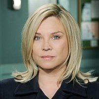 Det. Supt. Sandra Pullman played by Amanda Redman