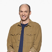 Tom Harper played by Brian Stepanek Image
