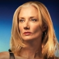 Julia McNamara played by Joely Richardson