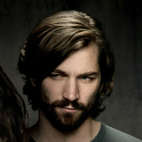 Cal Morrison played by Michiel Huisman