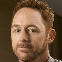 Gordon Malloy played by Scott Grimes