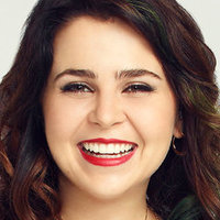 Amber Holtplayed by Mae Whitman