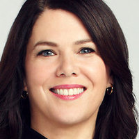 Sarah Braverman played by Lauren Graham