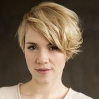 Kelly Gradyplayed by Alice Wetterlund