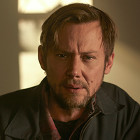 James played by Jimmi Simpson