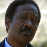 Alonzo Quinn played by Clarke Peters