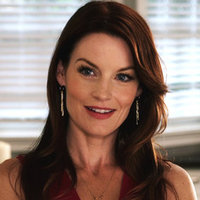 Ashley Marinplayed by Laura Leighton