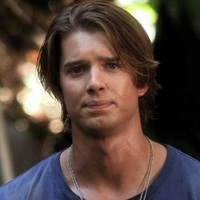 Jason DiLaurentis played by Drew Van Acker