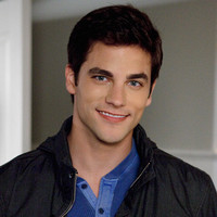 Noel Kahn played by Brant Daugherty