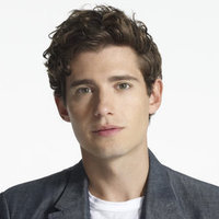 Wren Kim played by Julian Morris