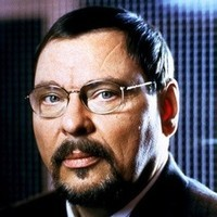 Dr. Walter Attwoodplayed by Larry Drake