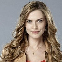 Dylan Weir played by Sara Canning