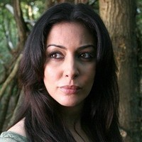 Sarah Page played by Laila Rouass