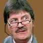 Himself - Expert (5)played by Tim Wonnacott