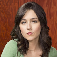 Sabrina Collins played by Shannon Woodward Image