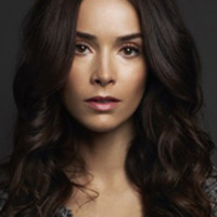 Amanthaplayed by Abigail Spencer