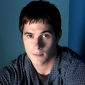 Aaron Lewis played by Dave Annable