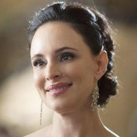 Victoria Grayson played by Madeleine Stowe