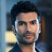 Paul Hammond played by Sendhil Ramamurthy Image