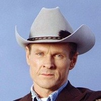 Sheriff Jim Valenti played by William Sadler