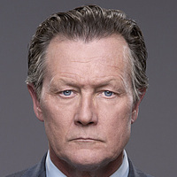 Agent Cabe Gallo played by Robert Patrick