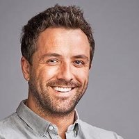 Findlay Knox played by Darren McMullen